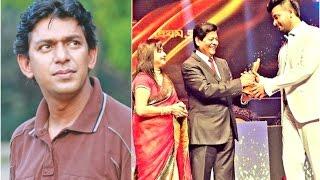 চঞ্চল চৌধুরীকে হারিয়ে ২০১৬র সেরা অভিনেতা শাকিব খান!   Shakib Khan & Chanchal Chowdhury News 2017!