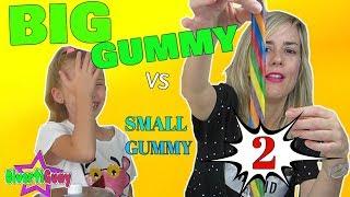 BIG GUMMY VS SMALL GUMMY | GOMINOLA GIGANTE VS GOMINOLA PEQUEÑA 2 | DIVERTIGUAY