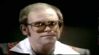 ELTON JOHN - SORRY SEEMS TO BE THE HARDEST WORD - Live 1976 (HQ-856X480)