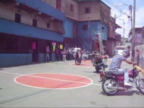 MOTOPIRUETAS EN EL VALLE
