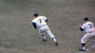 1964 WS Gm3: Mantle hits a walk-off home run