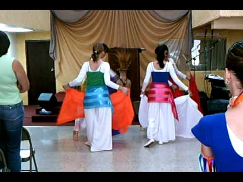 Danza de mantos