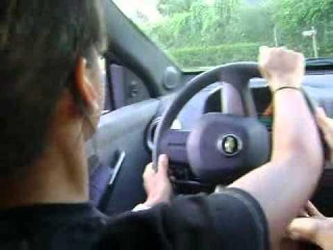 Eu dirigindo pela primeira vez .