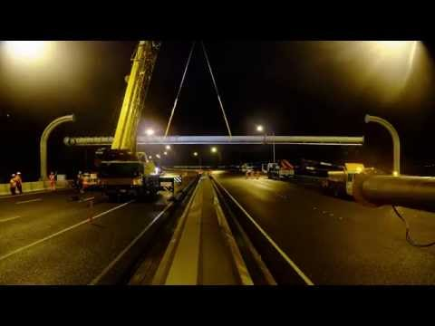 SH1 cross motorway portal gantry - 2 Aug 2015