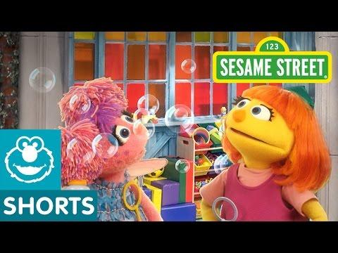 Sesame Street Making Bubbles Julia & Abby Cadabby
