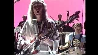 Steve Howe & Chris Squire Old Grey Whistle Test 1975 Part 1 of 2