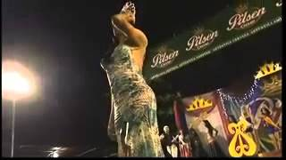 ملكات الجمال بين الرقص بالبكيني والشجار العنيف على المسرح
