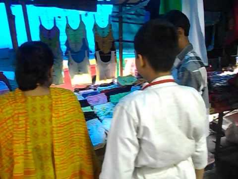 shipra boudi buying her panty from footpath! that is third world country