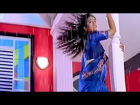 Raveena Tandon hot rain dance video
