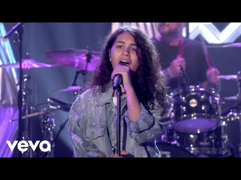 Download Alessia Cara - Scars To Your Beautiful (Live From The Ellen DeGeneres Show)