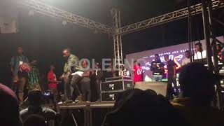 hmmm....what University of Ghana Legon students did to this artiste on stage will shock you