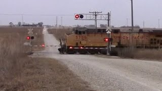 Emergency Stop! Union Pacific coal train at the Colo Bogs