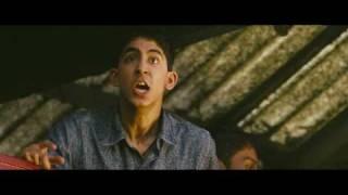 Slumdog Millionaire Film Clip - Latika At The Train Station