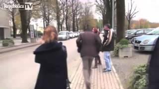 Salvini che si caga addosso e scappa per 10 minuti