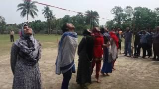কলেজের মেয়েদের বিস্কুট খেলা | Bangladeshi grils Play cake.