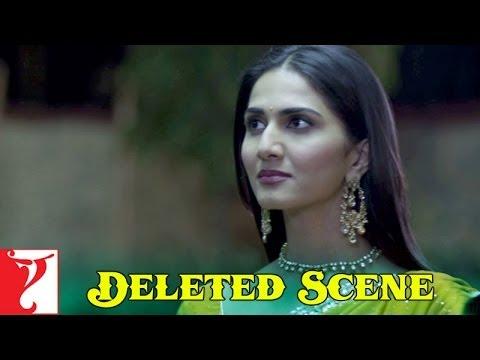 Deleted Scene:8 | Shuddh Desi Romance | Tara sees Raghu & Gayatri kissing | Vaani Kapoor