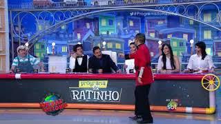 Programa do Ratinho - Faxinildo canta Sarafina e irrita Ratinho