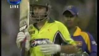 Shahid Afridi makes 32 runs from 1 over vs Sri Lanka
