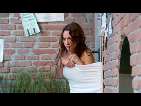 Bienvenidos al Lolita Violeta se queda en la calle casi desnuda