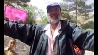 Afghan Old man  naswar  forosh  singing 4  Afghan Girlz.mp4