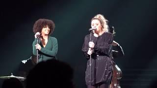 Kelly Clarkson & Lynnea Moorer - (2019-01-25) - Idontwannabeyouanymore - Fresno, CA