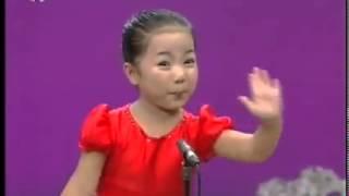 Very cute Korean girl singing... Must watch ..