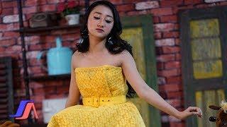 Sandrina - Di Tikung Teman (Official Music Video)
