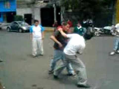 pelea dela telesecundaria 75