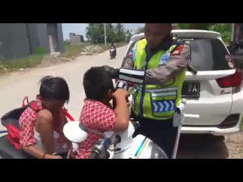 Xxx Mp4 Vodeo Viral Bocah SD Menangis Ditilang Polisi 3gp Sex