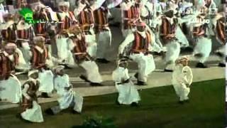 الملك عبدالله بن عبدالعزيز ( يقف إجلالا وحباً لإهل جازان ) ؟!