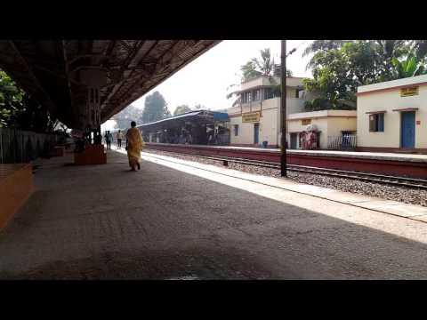 Xxx Mp4 Thakurnagar Railway Station 3gp Sex