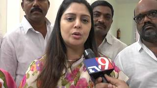 Ramu adabala f to f Congress leader Nagma
