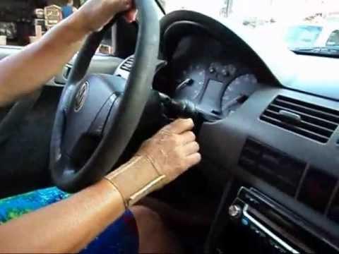 Roza dirigindo