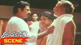 Mammootty Argues with Shobana Father over Rajinikanth Marriage - Dalapathi Movie Scenes