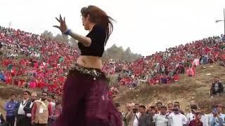 Firangi bhabhi sexy dance on marwadi song at village