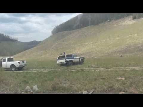 30lbs of tannerite vs 79 Ford Bronco