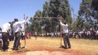 Kenya: Incredibile gara di salto in alto per il titolo scolastico