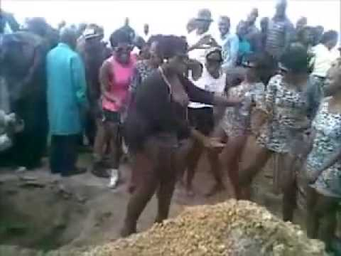 Twerking at a funeral in Pretoria