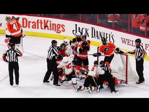 Tempers flare as Tkachuk gets under skin of Simmonds Flyers