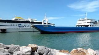 Ferry Buque La Caranta zarpando desde PLC para Margarita  24-12-2011.