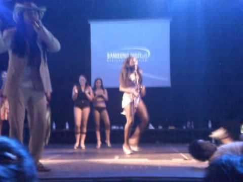 competencia d baile entre 2 cubanas y 1 italiana 25 07 2009