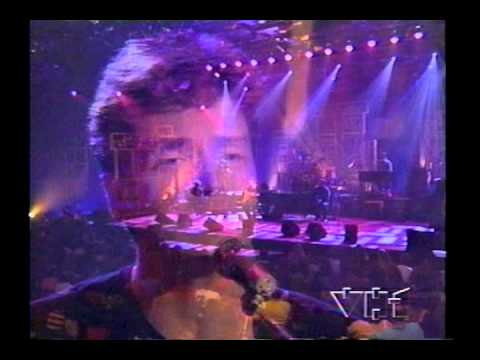RICHARD MARX - HOLD ON TO THE NIGHTS with NOW AND FOREVER (LIVE)