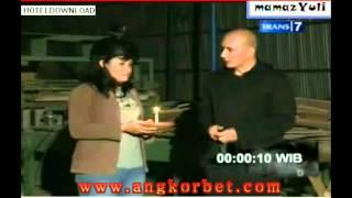 Dua Dunia Lain 8 Maret 2012 part 1 - www.angkorbet.com