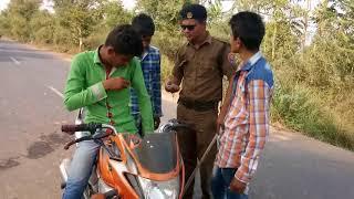 ત્રણ સવારી બાઈક પર જતા પોલીસે કરી શું હાલત Gujarati Comedy Video