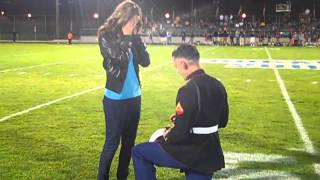 Marine proposes to girlfriend