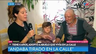Tiene 5 años y adoptó a un abuelo que vivía en la calle