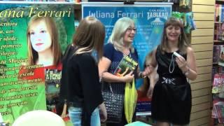 Noite de autografo da escritora Juliana Ferrari