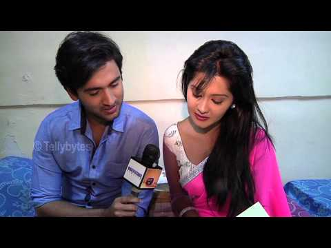 Xxx Mp4 Mishkat And Kanchi Aka Raj And Avni Of Aur Pyaar Hogaya Receive Gifts From Fans 3gp Sex