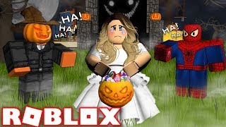 THE WORST HALLOWEEN COSTUME IN ROBLOX | Roblox - Royalloween