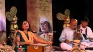 'Ami chirotore dure chole jabo'- Nazrulgeeti by Somerita Mallik